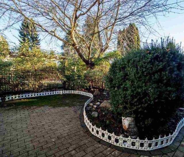 232 W 27th Street, Upper Lonsdale, North Vancouver 2